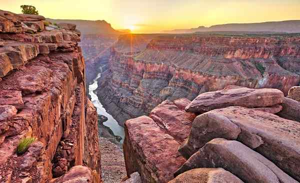BUS-CAS-CAN-CALI Sunrise at Toroweap in Grand Canyon National Park 572327896