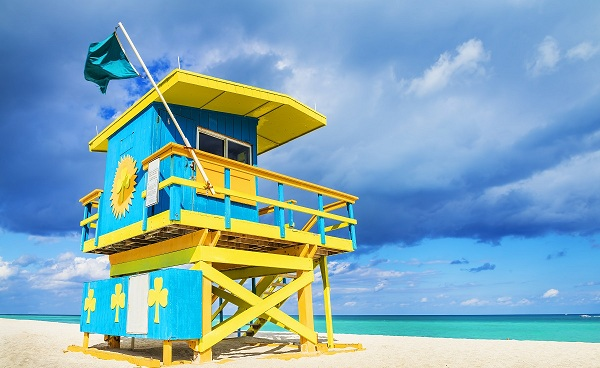 BUS-ERLEB-FLO Florida Miami Colorful Lifeguard Tower South Beach 174202358