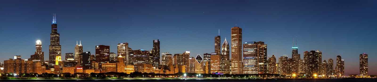 CHI-MARATHON -Chicago downtown city skyline at night and Michigan lake shore 106951187