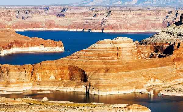 HARLEY-SUED-WEST Arizona lake Powell and GlenCanyon 164543390