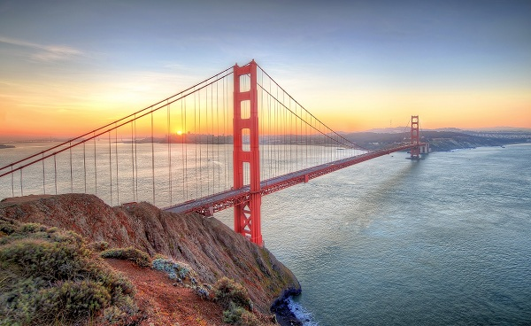 KIDS-GO-KALIFORNIEN San Francisco Sunrise seen from Golden Gate Bridge 175257533