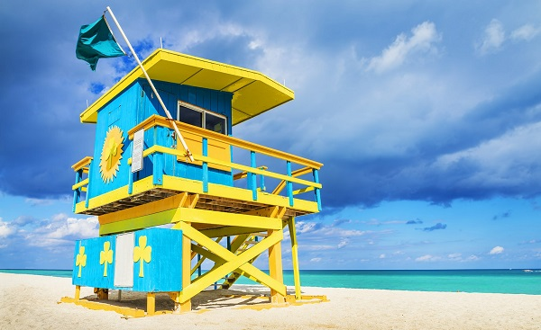 MOTORRAD-FLO-KEYS Florida Miami Colorful-Lifeguard-Tower South Beach 174202358