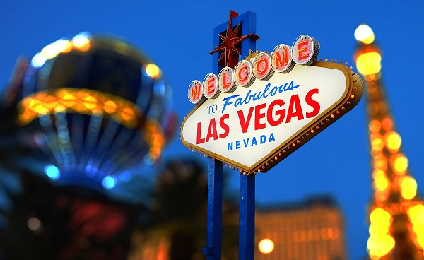 PANORAMA-SUD-WEST Las Vegas Welcome neon sign 156682802