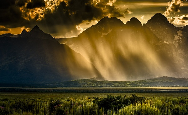 ROCKYMOUNTAINS-YELLOW Wyoming Teton peaks 149254076